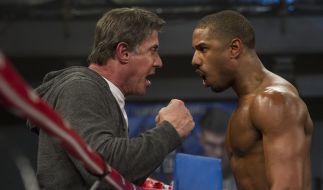 Adonis sucht Rocky (Stallone) auf und bittet ihn, sein Trainer zu werden. (Foto)