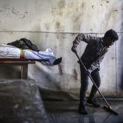 Hunger, Kälte, Scharfschützen! 40.000 Menschen sind vom Hungertod bedroht (Foto)