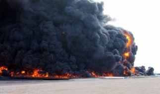 Libyen hatte schon öfter mit Anschlägen durch den IS zu kämpfen. Wie hier bei einem Terror-Akt auf ein Öl-Depot in al-Sidra. (Foto)