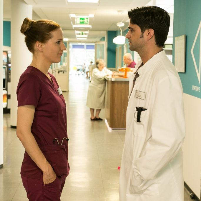 Es knistert zum Staffelstart! Wie geht es nun mit Betty und Dr. Behring weiter? (Foto)