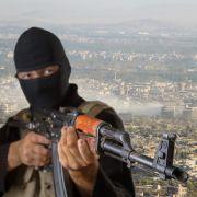 ISIS-Terrorist exekutiert seine eigene Mutter (Foto)