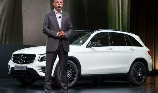 Der Vorstandsvorsitzende der Daimler AG, Dieter Zetsche spricht am 17.06.2015 in Metzingen bei der Vorstellung des Geländewagens Mercedes Benz GLC. (Foto)