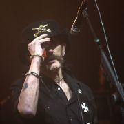 Die Rock-Legende wird beerdigt, Fans und Freunde nehmen Abschied (Foto)