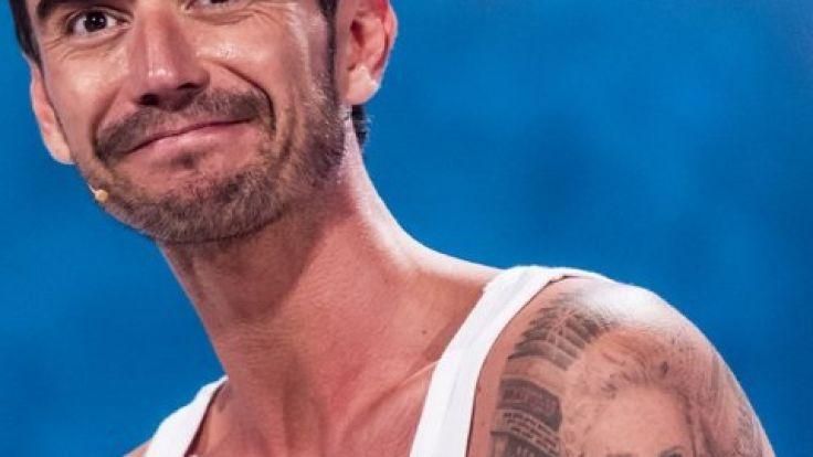 Florian Silbereisen präsentiert seine trainierten Oberarme und ein Tattoo von Helene Fischer. (Foto)
