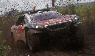 Sebastian Loeb (Peugeot) und Daniel Elena bei der 2. Etappe der Rallye Dakar 2016. (Foto)
