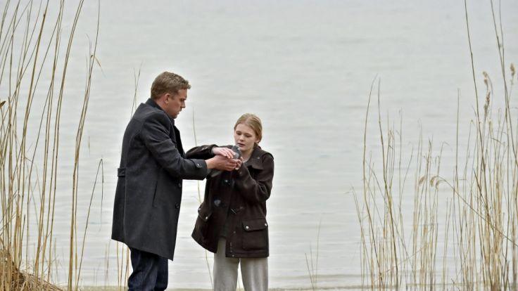 """Neuer """"Erzieher""""? Perlmann wird für die psychische misshandelte Rebecca zur Vertrauensperson. (Foto)"""