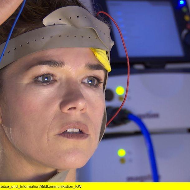 In der ARD-Mediathek: Anke Engelke wagt den Selbstversuch (Foto)