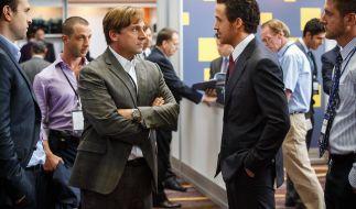 Der unbeirrbaren Trader Mark Baum (Steve Carell) und der geldgierigen Deutsche-Bank-Makler Jared Vennett (Ryan Gosling) wettern gegen das Finanzsystem. (Foto)