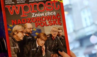 """Angela Merkel als Nazi auf dem Cover der """"Wprost"""". (Foto)"""
