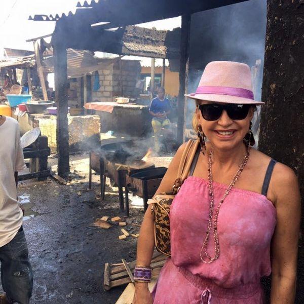 Carmen Geiss posiert als Luxus-Lady in Slums! (Foto)