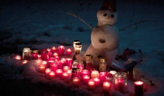 Auch knapp zwei Wochen nach dem Tod von Janina (11) ist die Trauer ungebrochen. (Foto)