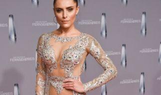 Sophia Thomalla kam zur Verleihung des Deutschen Fernsehpreises in einem transparenten Kleid. (Foto)
