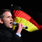"""AfD-Mann will Angela Merkel in eine """"Zwangsjacke"""" stecken (Foto)"""