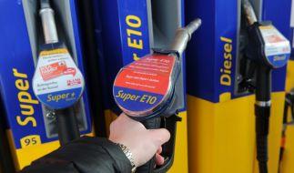 Zahlen die Deutschen bald eine Benzin-Steuer? (Foto)