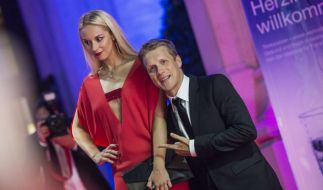 Pocher kann's nicht lassen! Schon weder macht er sich über Freundin Sabine Lisicki lustig. (Foto)