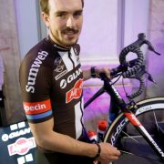 Auto rast in Radsportler: John Degenkolb musste ins Krankenhaus! (Foto)
