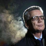 Lügt der Innenminister? Angeblich Flüchtlingszahlen geschönt (Foto)