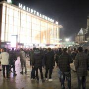 Politik reagiert: Kriminelle Ausländer werden schneller ausgeweisen (Foto)