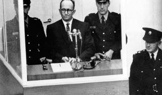 NS-Kriegsverbrecher Adolf Eichmann im April 1961 während seiner Vernehmung vor dem Bezirksgericht in Jerusalem. (Foto)