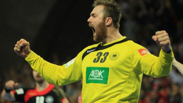 Sensationell! Mit dem Sieg gegen Top-Favorit Dänemark schaffte die deutsche Handball-Nationalmannschaft den Einzug ins EM-Halbfinale und trifft auf Norwegen. (Foto)