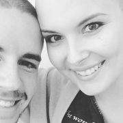 Nationalspieler trägt jetzt Glatze - für seine krebskranke Freundin (Foto)