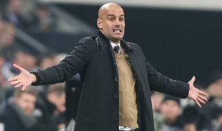 Pep Guardiola auf dem Spielfeld: Der FC-Bayern fordert auf seiner Abschiedstournee mehr Disziplin von den Bayern-Spielern. (Foto)