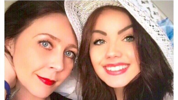 War trotz Krankschreibung mit ihrer Tochter Nathalie (rechts) in Australien: Lehrerin Viktoria Volk. (Foto)