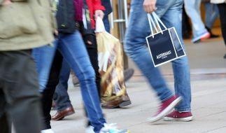 Auch am Sonntag können Sie ihrer Kauflust frönen. (Foto)