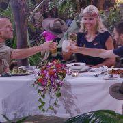Cheers! Das oppulente Essen haben sich die drei Finalisten redlich verdient.