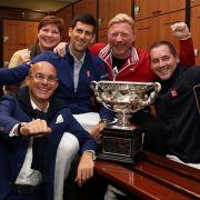 So ausgelassen jubelt Boris Becker mit Novak Djokovic (Foto)