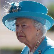 Verliert Queen Elizabeth II. jetzt ihre Krone? (Foto)