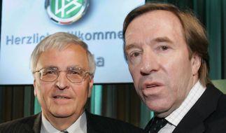 Wer hat wann was gesagt? Diese Frage muss jetzt das Landgericht zwischen Theo Zwanziger (links) und Günter Netzer klären. (Foto)