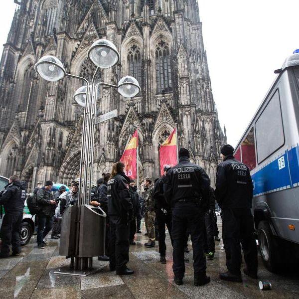 An Weiberfastnacht wieder 224 Anzeigen (Foto)