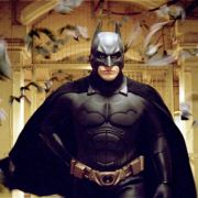 Batman-Räuber flüchtig! Tankwart verfolgt Fledermaus-Mann (Foto)