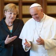Angela Merkels wütender Anruf beim Pontifex (Foto)