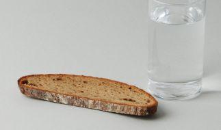 Nur von Brot und Wasser müssen Sie sich nun auch nicht ernähren. Es gibt schließlich alternative Fasten-Ideen. (Foto)
