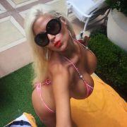 Prall und sexy! Die heißesten Selfies von Busen-Sophia (Foto)