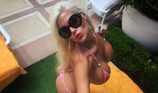 Sophia Wollersheim zeigt sich ihren Fans gern halbnackt und in sexy Posen. (Foto)