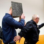 Täter verübten Anschlag auf Flüchtlingsheim: Jetzt gestehen sie ihre Tat (Foto)