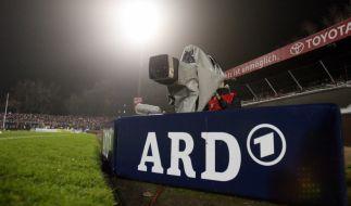 Für die kommende DFB-Pokal-Saison wollen DFB und ARD alle Finals der Landespokale libe übertragen. (Foto)