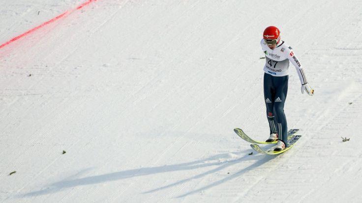 Markus Eisenbichler beim Skiflug Weltcup in Vikersund 2015. (Foto)