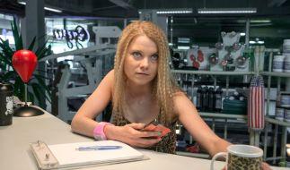 Henrike van Kuick als Chiara Scheffler, Empfangsfrau im Fitnessstudio und wild auf Likes. (Foto)
