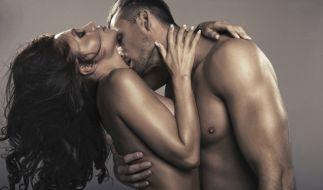 Laut einer Studie haben Menschen, die mindesten viermal pro Woche Sex haben mehr Geld. (Foto)