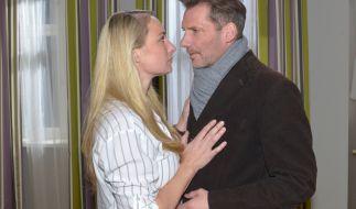 Maren fällt es immer schwerer, Alex etwas vorzumachen: Sie gesteht ihm schließlich den Mord an Frederic. (Foto)