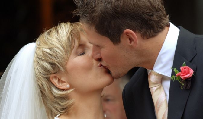 2005 heiratete sie den ehemaligen Bundesliga-Triathleten Sven Renz. Nach ihrem Rücktritt vom Sport betreiben die beiden ein Spezialgeschäft für Ski- und Langlaufschuhe in München.
