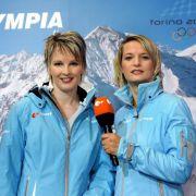 Nach einer schweren Verletzung zog sie sich 2005 vom Leistungssport zurück und arbeitete von 2006 bis 2012 als Co-Kommentatorin bei Skiübertragungen im ZDF.