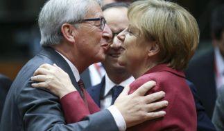 Jean-Claude Juncker stellt sich in der Flüchtlingskrise hinter die Kanzlerin. (Foto)