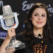 Kurz nach ihrem Sieg beim ESC 2010 in Oslo: Lena Meyer-Landrut mit vollen Wangen. SO wollen ihre Fans die Sängerin zurück.
