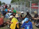 Laut einem Zeitungsbericht könnte die EU im März ihre Außengrenzen für Flüchtlinge schließen. (Foto)