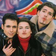 Die Familie vereint: Ralf Benson als Fabian Moreno, Anne Brendler als Vanessa Moreno und Daniel Fehlow als Leon Moreno.